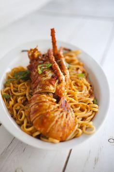 Astakomakaronada - Greek Lobster with pasta & tomato