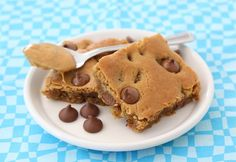 Peanut Butter Chocolate Chip Blondies (Two Peas & Their Pod) - I want to have these right now.
