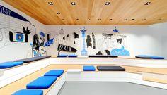 O2 Live Concept Store  siedzonka drewno sufit MEGA na górnej półce ekspozyjcja