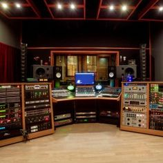 The Hideaway Studio, Minneapolis