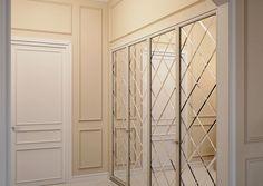 malenkaya-prihozhaya-s-zerkalnym-shkafom-prihozhaya-moskva Decor, Furniture, House Design, House, Bedroom Closet Design, House Styles, Home Decor, Bedroom Decor, Mirrored Wardrobe