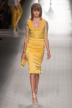 Blumarine Spring 2014 RTW - Runway Photos - Fashion Week - Runway, Fashion Shows and Collections - Vogue Yellow Fashion, Love Fashion, Runway Fashion, High Fashion, Fashion Show, Fashion Design, Milan Fashion, Beautiful Outfits, Cool Outfits