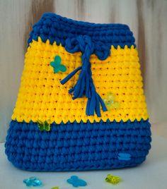 Я готов! Отправлюсь за тобой в любую даль🌎. Принесу коврик, бутерброды и полежу рядом на траве в парке🌲🎈. Послушаем вместе пение птиц🐦! Не бойся меня испачкать - я легко стираюсь. В общем, ты поняла, я надёжный, как скала! Ищи меня у @sokol.knit