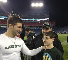 After playing catch on the field, recipient Chase and Tim spend time together during pregame. Tim Tebow Girlfriend, Just For Men, December 17, Handsome Man, Dream Guy, Gorgeous Men, Vikings, Girlfriends, Nfl
