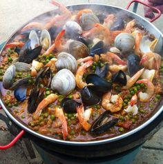 Paella made by my dad. #paella #paellas #seafoodpaella #paellanegra #foodfrique