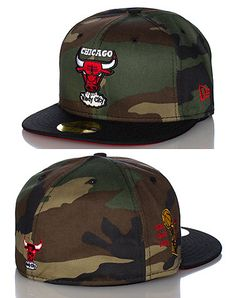watch 604a9 54052 NEW ERA Basketball fitted cap Team logo patch embroidered on front  Camouflage print Black brim, Red under brim NEW ERA stitching on side of hat