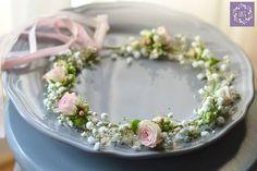 Delikatny wianek w kolorach bieli i różu.  ARTEMI - dekoracje ślubne, wianek ślubny, opaska kwiatowa, dekoracje ślubne, florystyka