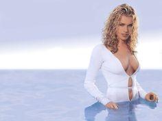 Rebecca Romijn starred as Laure Ash in Femme Fatale Rebecca Romijn Stamos, Major Models, Ugly Betty, Star Wars, Celebs, Celebrities, American Actress, Actresses, Celebrity