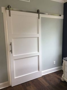 If you're looking for barn doors, but haven't the plunge - check out this post! 55 Incredible Barn Door Ideas: NOT Just For Farmhouse Style Barn Door Closet, Diy Barn Door, Barn Door Hardware, Barn Door White, Door Latches, Door Hinges, Living Pequeños, Making Barn Doors, Barn Door Designs
