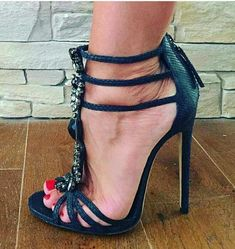 Everything You Didn't Know You Wanted to Know About High Heels: Platforms, Wedges, and Pumps. Hot Heels, Sexy High Heels, High Heels Boots, Open Toe High Heels, Black Strappy Heels, Platform High Heels, High Heels Stilettos, Stiletto Heels, Strappy Sandals