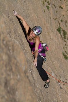 www.boulderingonline.pl Rock climbing and bouldering pictures and news Rising up. Team athl