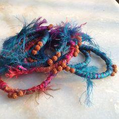Sari en soie enveloppées Bracelet Gourmette par MahimaCreations