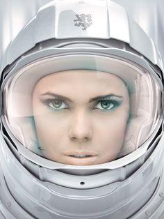girl in astronaut helmet - photo #30