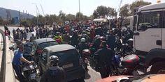 Σκαραμαγκάς: Μετανάστες έκλεισαν τον δρόμο – Ουρά μέχρι την Ελευσίνα! (Βίντεο) - Sahiel.gr