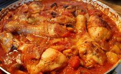 Marengói csirke, Napóleon egyik kedvenc étele, ami nem csak finom, hanem fogyókúrázók is bátran fogyaszthatják! Chicken Wings, Chicken Recipes, Chips, Food And Drink, Dekoration, Ground Chicken Recipes, Potato Chip, Potato Chips