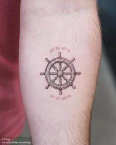 Ship wheel tattoo on the inner forearm. Nautical Compass Tattoo, Compass Rose Tattoo, Couple Tattoos, Tattoos For Guys, Tattoos For Women, Ship Wheel Tattoo, Tattoo Ship, Octopus Tattoo Design, Tattoo Designs