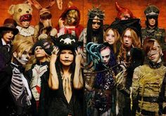Halloween Junky Orchestra - HYDE (L'arc~en~ceil & VAMPS), Acid Black Cherry, DAIGO [from BREAKERZ], kyo [from D'ERLANGER], Tommy february6 / Tommy heavenly6, Tatsurou [from MUCC], Tsuchiya Anna, Aoki Ryuuji, K.A.Z [from VAMPS], Hitsugi [from Nightmare], Aki [from SID], RINA [from SCANDAL], Wakeshima Kanon