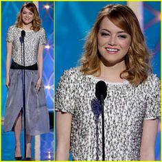 Haarfarbe!!!! (Emma Stone – Golden Globes 2014 Presenter! | 2014 Golden Globes, Emma Stone : Just Jared)