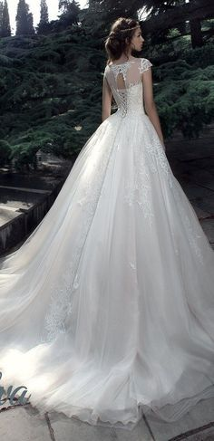 Milva Bridal Wedding Dresses 2017 Flavia / http://www.deerpearlflowers.com/milva-wedding-dresses/6/
