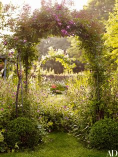 The Magical Garden Landscapes of Jinny Blom Rosa Veilchenblau. The Magical Garden Landscapes of Jinn Potager Garden, Diy Garden, Garden Cottage, Dream Garden, Garden Paths, Garden Landscaping, Shade Garden, Landscaping Ideas, Amazing Gardens