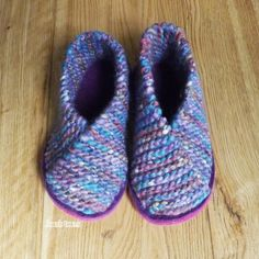 """Joe's Toes NEW colours for the  Cross-over Knitted Slipper Kit UK sizes This one is """"Lilac Beach"""" in a super-soft super-chunky slipper yarn.sizes"""