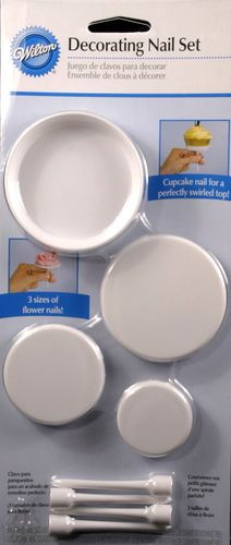 Decorating Nail set by Wilton for making flowers for cakes and cupcakes