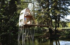 Google Image Result for http://inthralld.com/wp-content/uploads/2012/09/16-Breathtaking-Treehouses-17.jpeg