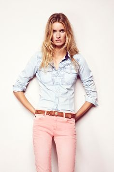 Pink Skinny Jeans and Chambray Shirt. I'd have to be anorexic to wear and look good in this, but hey I'm willing to try it on and see.