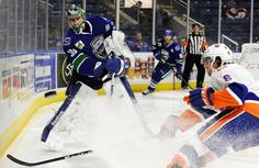 Although held to just one goal, the Bridgeport Sound Tigers hung in until the very end before ultimately falling to the Utica Comets, 2-1, before an announced crowd of 4,934 at the Webster Bank Arena