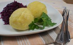 Deftige Kartoffelknödel mit Rotkraut