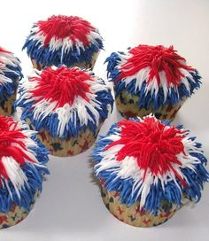 Patriotic Cupcake Memorial Day Roundup - Six Clever Sisters - - Patriotic Cupakes for Memorial Day picnic Fourth of July party. Recipe collection of cute Americana Cupcakes. Firecracker Cupcakes, Patriotic Cupcakes, Patriotic Desserts, 4th Of July Desserts, Patriotic Party, Decorated Cupcakes, 4th July Cupcakes, Patriotic Crafts, July Crafts