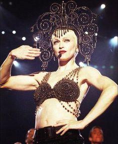 Madonna Madonna 90s, Madonna Photos, Verona, Divas Pop, Grace Kelly, Little Sisters, Erotica, Music Artists, Girlfriends