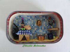 """""""Uma casa portuguesa com certeza"""" - latinha de sardinha"""