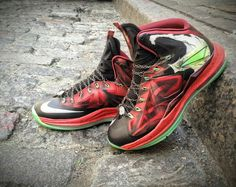 e0b6522c49ee6 No stranger to applying the theme to a pair of LeBrons