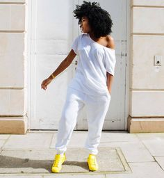 Keys To Finding The Best Sneakers For Women. Are you shopping for the best sneakers for women? If so, you will want to try to find some of the best options in the marketplace to ensure that you are ab Black Girl Fashion, Look Fashion, Autumn Fashion, Fashion Killa, Street Fashion, Chic Outfits, Fashion Outfits, Womens Fashion, Looks Plus Size