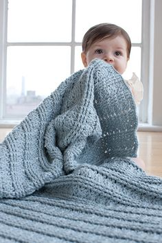 Smushy blanket- Wish I knew how to crochet. Maybe one day :) I love this blanket! Baby Blanket Crochet, Crochet Yarn, Baby Afghans, Crochet Books, Crochet Afghans, Crochet Blankets, Luxury Bedding Collections, Manta Crochet, Yarn Crafts