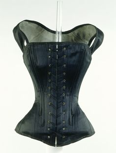 The corsets of the 1840s were cut from separate pieces stitched together to  give roundness to 8124a999d1a82