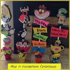Disney Party ideas: Alice in Wonderland centerpieces Mad Hatter Party, Mad Hatter Tea, Mad Hatters, Alice In Wonderland Birthday, Wonderland Party, Alice In Wonderland Sign, Alice In Wonderland Decorations, Winter Wonderland, Birthday Party Tables