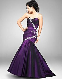 Cire' PC204 at Prom Dress Shop