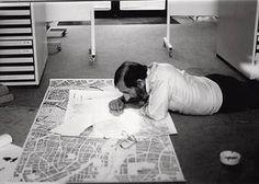 """Em 1989, quando Siza Vieira trabalhava no projecto do edifício """"Bonjour Tristesse"""" em Berlim."""