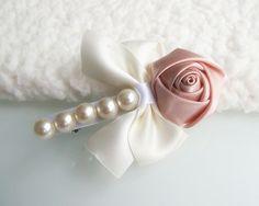 Pearl rose hairclip