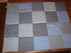 Stukjes stof aan elkaar naaien