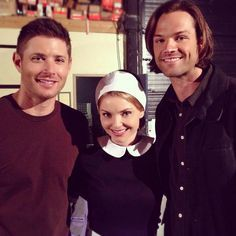 2014 S10 E6 Ask Jeeves. Jensen & Jared with Olivia aka Isabella Miko.