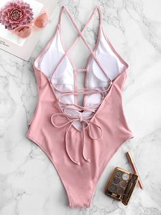 Shop one piece swimsuit online, you can get string, fashion and sexy one piece bathing suits and bikini for women on ZAFUL. Summer Bathing Suits, Cute Bathing Suits, Cute One Piece Swimsuits, Summer Bikinis, Bra Styles, Bikini Swimwear, Criss Cross, Green Rose, Beachwear