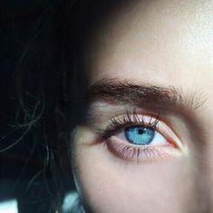 Beautiful Eyes Color, Pretty Eyes, Cool Eyes, Blue Eyes Aesthetic, Behind Blue Eyes, Eye Photography, Street Photography, Eye Art, All About Eyes