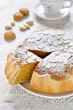 Torta russa di Verona con mandorle e amaretti - Pelle di Pollo Biscuits Russes, Almond Recipes, Vegan Recipes, How To Make Cake, Food To Make, Just Desserts, Dessert Recipes, Croissant Recipe, Almond Cakes