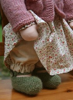 Great Waldorf Doll outfit. - Izzy has requested knit green shoes for her doll