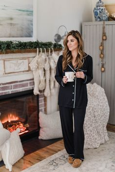 Casual College Outfits, Lazy Day Outfits, Sleepwear Women, Pajamas Women, Sleepwear Sets, Ripped Jeans Outfit, Boho Fashion Summer, Athleisure Outfits, Hippie Outfits
