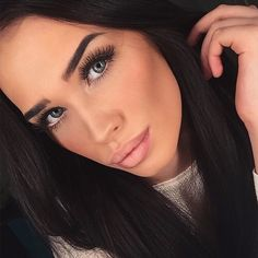 Bild über We Heart It https://weheartit.com/entry/164979487/via/2401812 #beautiful #classy #eyebrows #girl #glamour #luxury #makeup #style