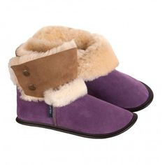 Buy Garneau Sheepskin Slippers Online Now! A distinctive style that is comfortable, durable and timeless. Our Sheepskin Slippers will become your favori. Sheepskin Slippers, Sheepskin Boots, Suede Booties, Womens Slippers, Booty, Pairs, My Style, Stuff To Buy, Fashion